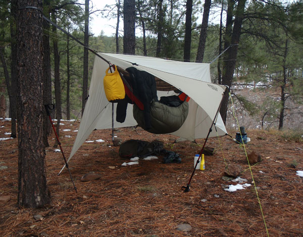 how to hang a cook tarp